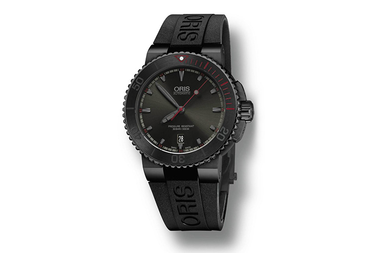 3f81099366a Detailed Review With The Oris El Hierro Diver Mens Replica. The design of  the replica watch ...