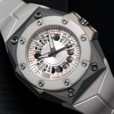 Hands-On With Linde Werdelin Oktopus MoonLite With White Dial Watch