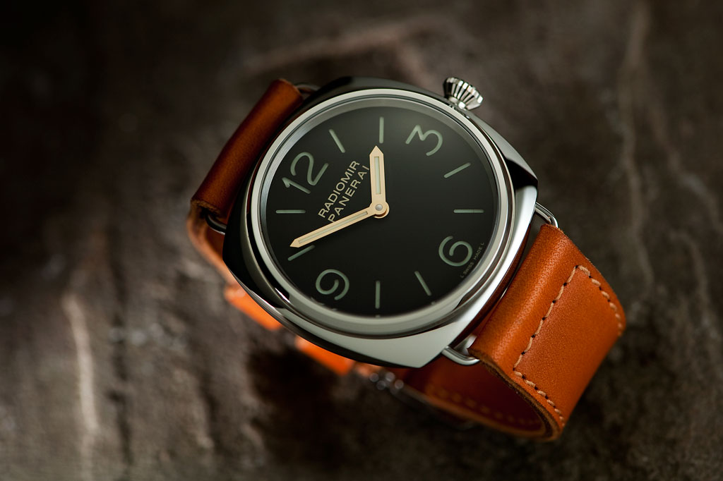 Reviewing The Pretty Classic Panerai PAM 232 OOR Replica Watch